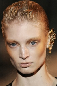 img-richard-nicoll-spring-2011-beauty_220350926870.jpg_collection_2_col