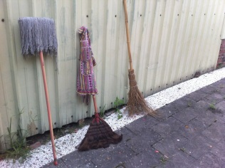 Brooms, Local